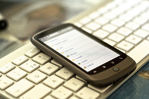 Mobile smartphone keyboard